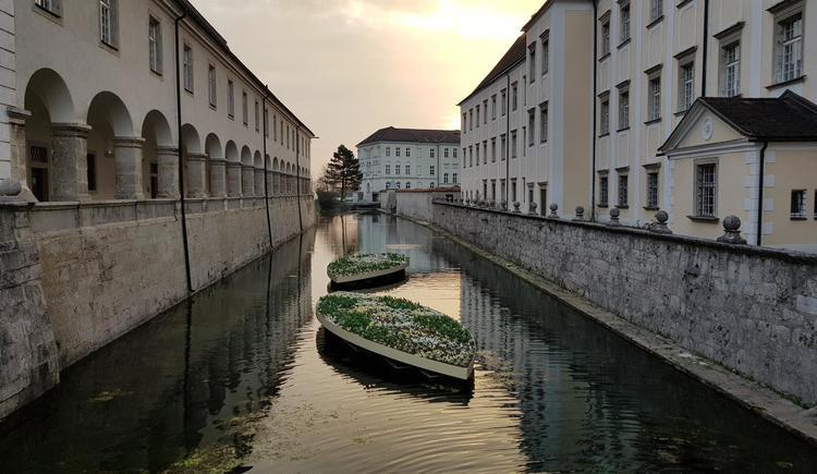 Stift_Kremsmuenster_Ansicht_Wassergraben (© Stift Kremsmünster)