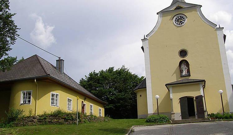 Am Maria Trost Berg kurz vor Rohrbach-Berg befindet sich diese liebliche Wallfahrtskirche.