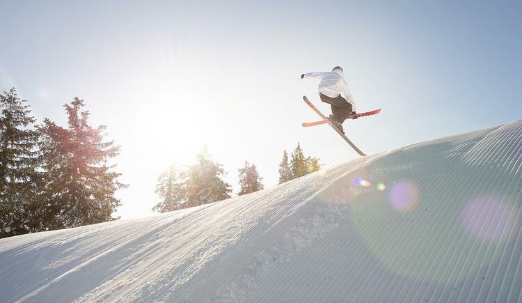 Kasberg - Snowboarder im Funpark (© OÖ. Tourismus GMBH, Foto Salih Alagic)