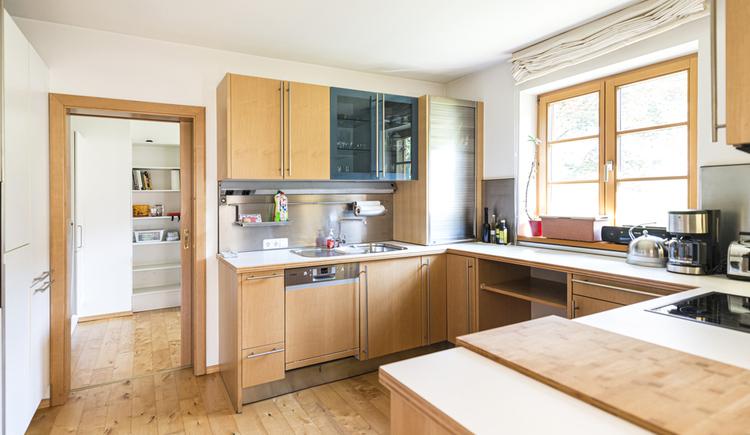 Die geräumige Küche der Villa Anna.