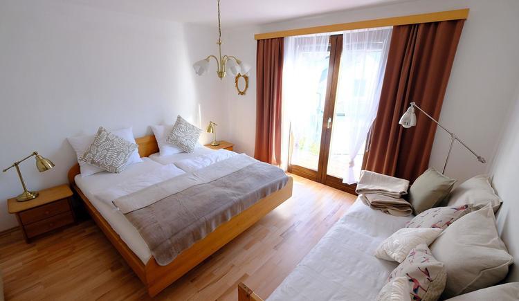 Schlafzimmer der Ferienwohnung (© Rudolf Kirth)