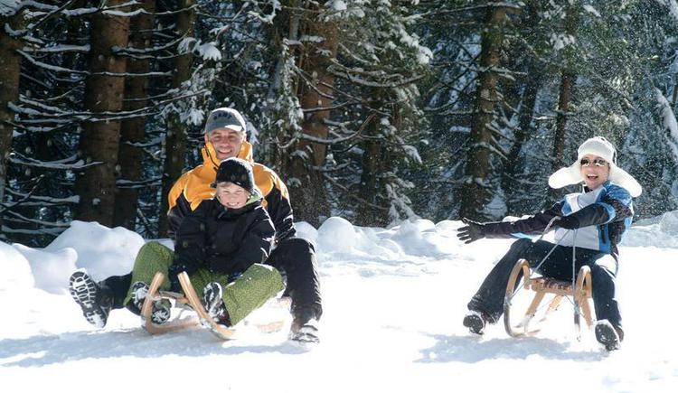 Rodelvergnügen für die gesamte Familie (© Tourismusverband Faistenau)