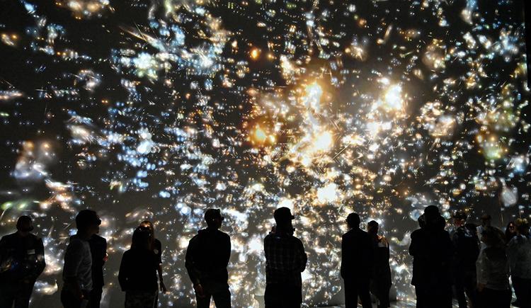 Deep Space Live - 3D - nach den Sternen greifen