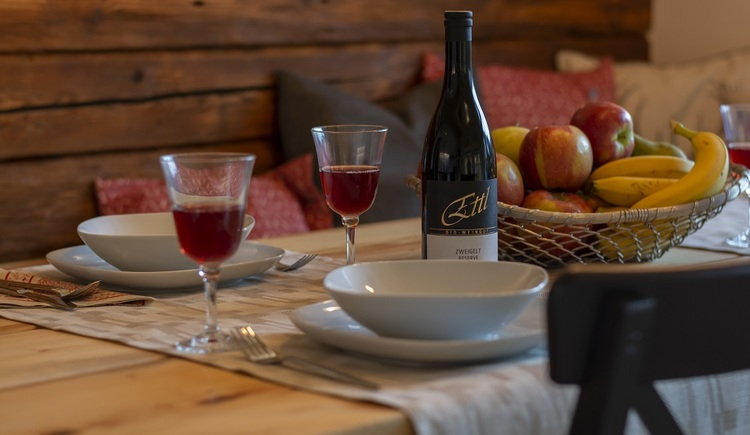 Nothing keeps you from spending a good time with yout family or friends, at the attractively designed dining area of Chalet 164 in Bad Goisern at Lake Hallstatt,