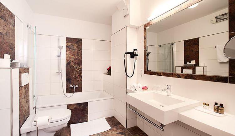 Badezimmer neu (nicht in allen Zimmern gleich)