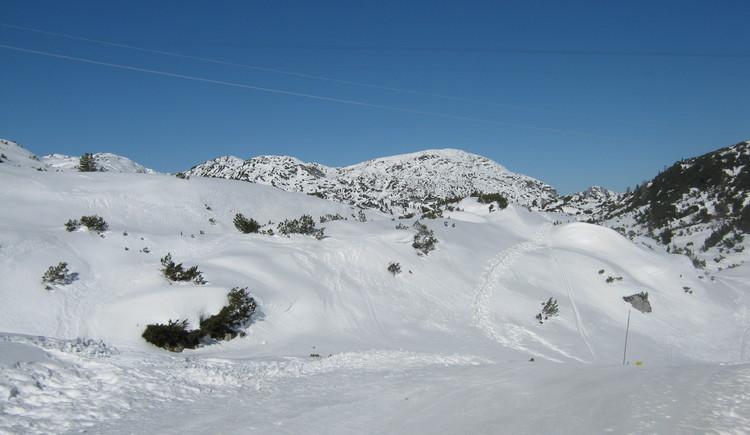 Die Aufnahme zeigt den Dachstein Krippenstein in märchenhafter Schneelandschaft. (© Anna Thalhammer)