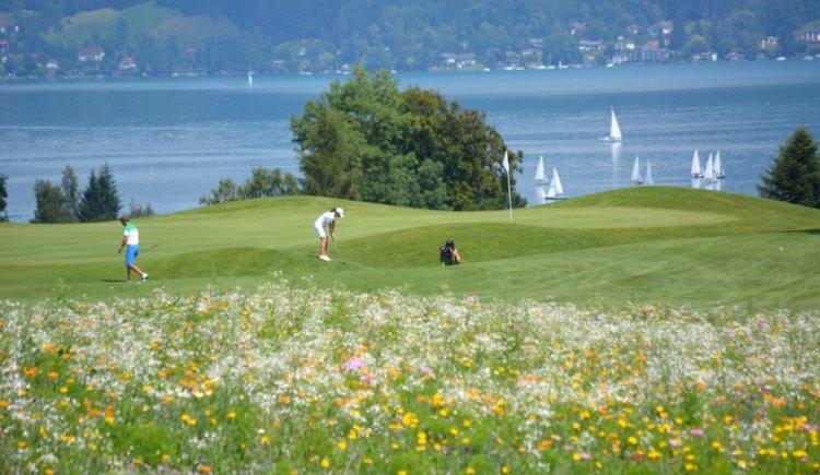 Blick auf den Attersee vom Golfclub (© Gofclub am Attersee)