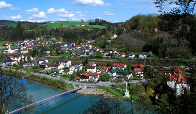 Blick von Neuburg auf Wernstein.