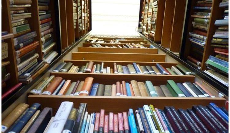 Bücherei (© www.pixabay.com)
