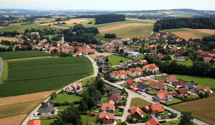 Gemeinde Rottenbach Flugaufnahme 1024x682 (© Gemeinde Rottenbach)