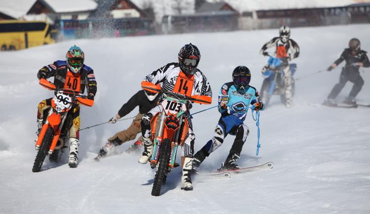 Das Rennen wird gruppenweise bestritten. (© Viorel Munteanu)
