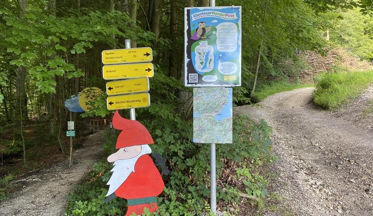 Märchenwanderweg Unterach am Attersee Einstieg. (© TVB Attersee-Attergau)