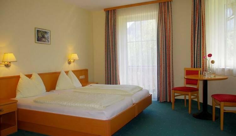 Zimmer mit Balkon (© Hotel Goisererhof)