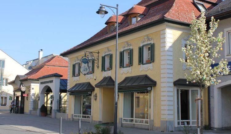 Bild zeigt das Kaufhaus Wienerroither in der Attergaustraße in St.Georgen im Attergau