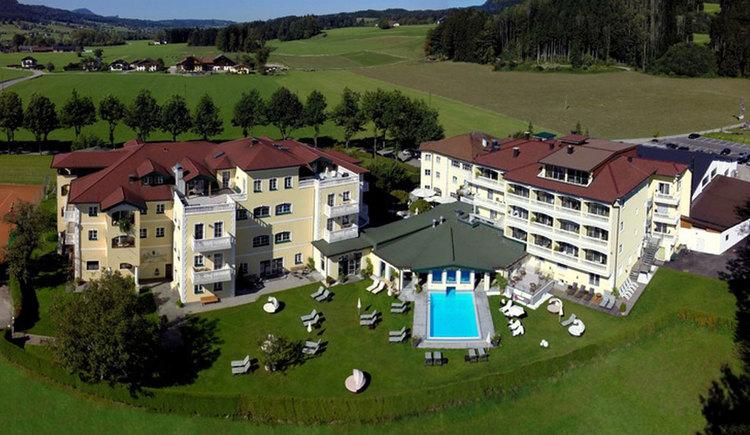 Ansicht von oben auf das Hotel Eichingerbauer. (© Landhotel Eichingerbauer)
