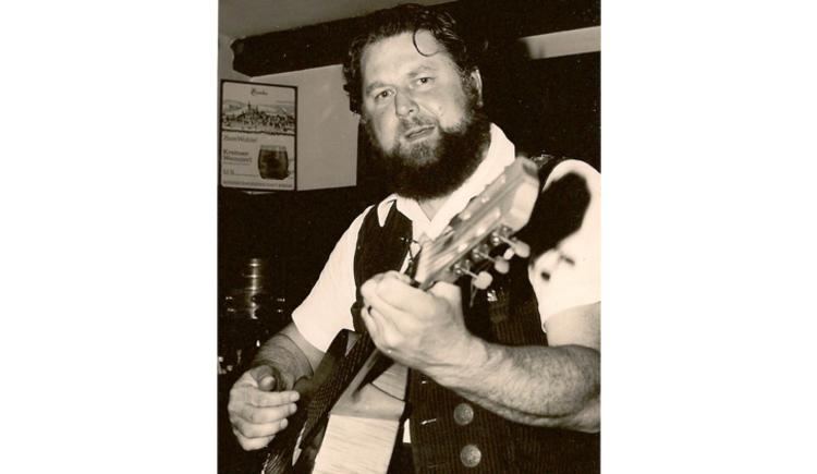Sepp Schmalnauer während eines Auftritts