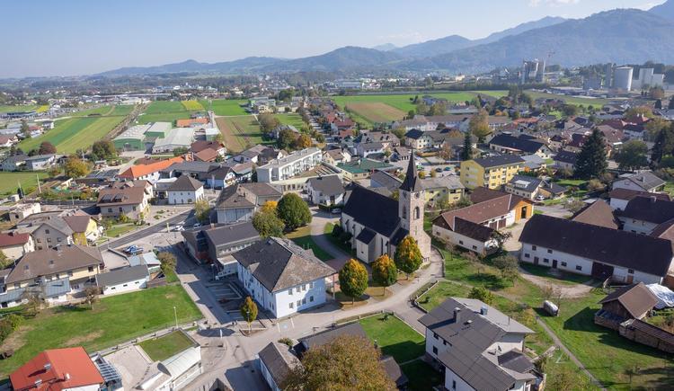 Ortszentrum Pinsdorf von OBEN (© Gemeinde Pinsdorf)