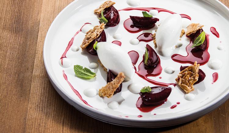 Dessert, Pflaumen Eis (© BERGERGUT Pürmayer GmbH)