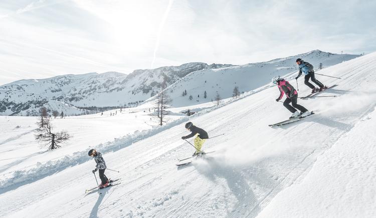 Skifahren in Hinterstoder (© Oberösterreich Tourismus GmbH/Moritz Ablinger)