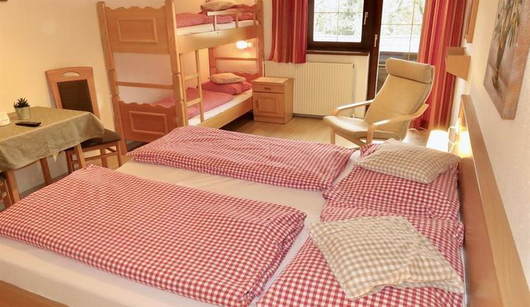 Mehrbettzimmer (© Berghof Sturmgut)