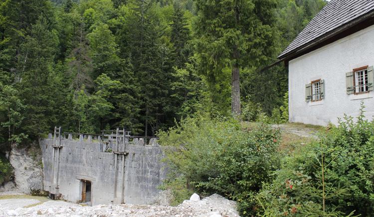 Der Staubereich der Chorinsky-Klause ist im Sommer nach einer Runde mit dem Bike durchs Weissenbachtal erreichbar. (© Ferienregion Dachstein Salzkammergut)