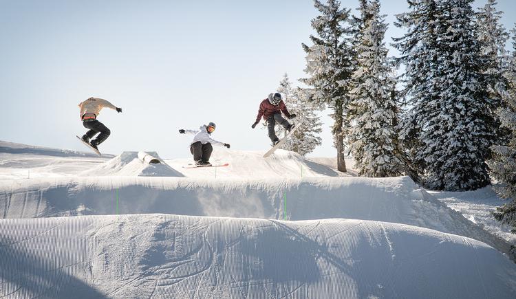 15_Kasberg_Snowboard_Oberoesterreich Tourismus GmbH_Salih Alagic (© Salih Alagic)