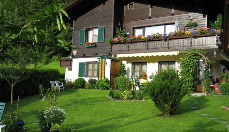 The very quiet apartment just outside Bad Goisern is an ideal starting point for hiking and cycling.