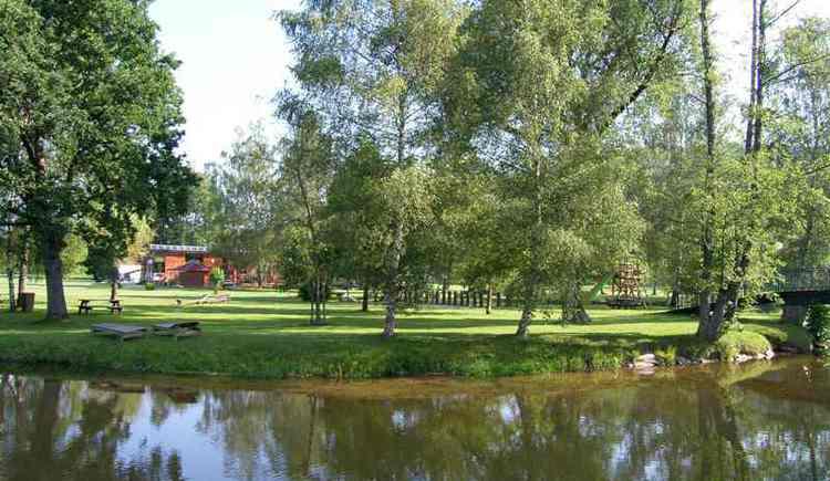Im Freizeitzentrum Kranzling bei Haslach an der Mühl können Sie sich ein Fußbad gönnen.