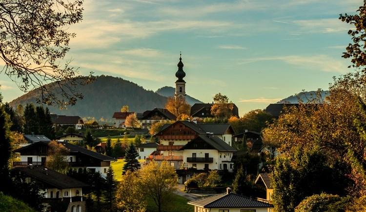 Faistenau mit Pfarrkirche. (© M. Göttlich)