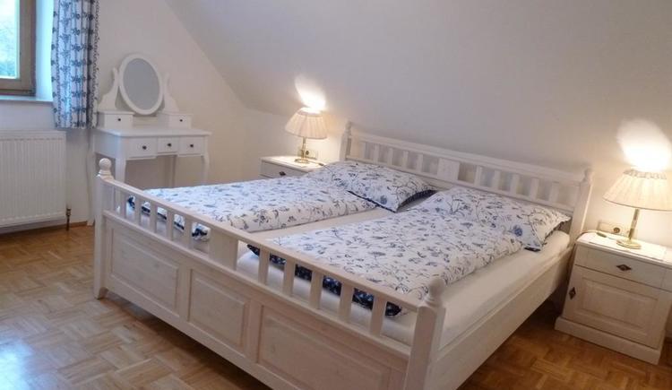 Schlafzimmer - XXL Apartment Hirtenstube (© berger)
