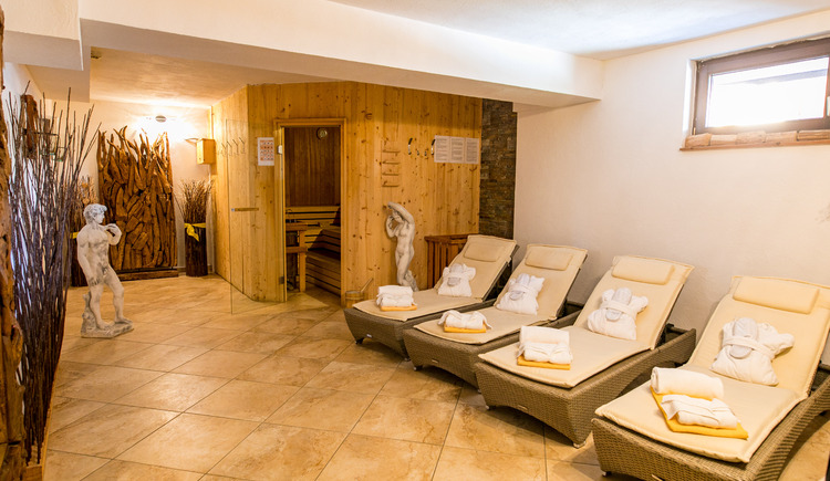 Our sauna with relaxation area. (© Vitalhotel Gosau)