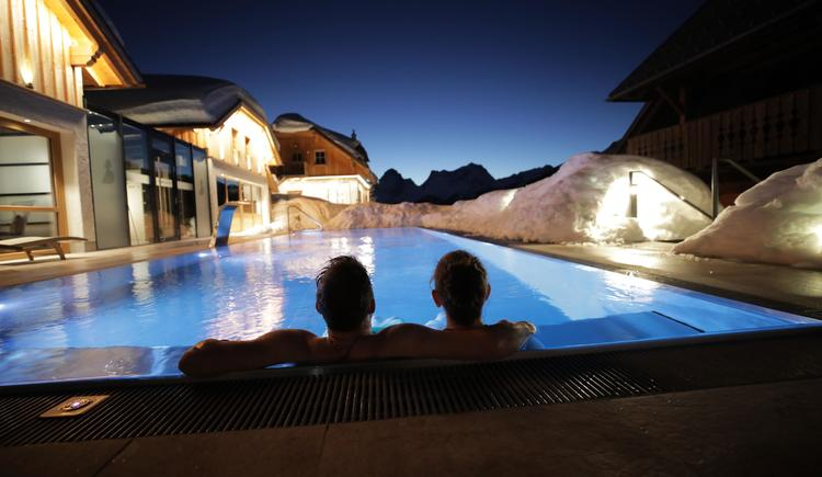 Pool Winter (© Almresort Baumschlagerberg)