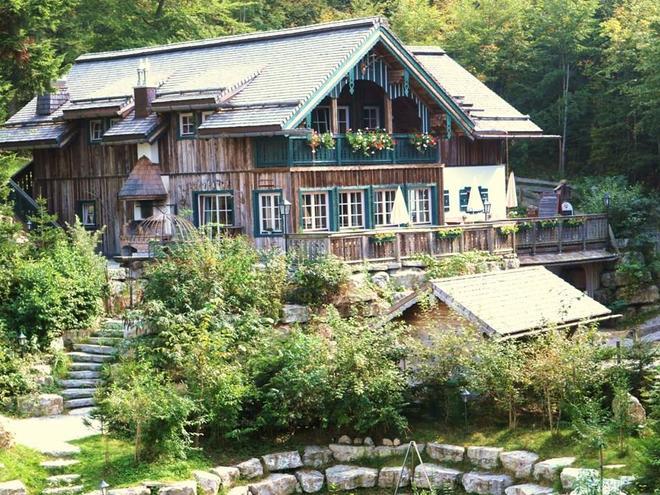 Aussenansicht des Forsthaus (© Forsthaus Wartenfels)