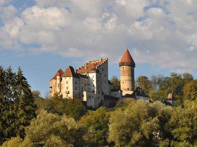 Bogenparcours auf Burg Clam