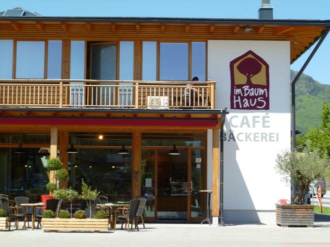 Kurti's Cafe im Baumhaus
