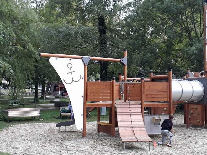 Kinderspielplatz im Schlosspark