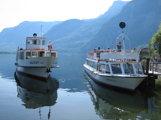 Ship tours at Lake Hallstatt