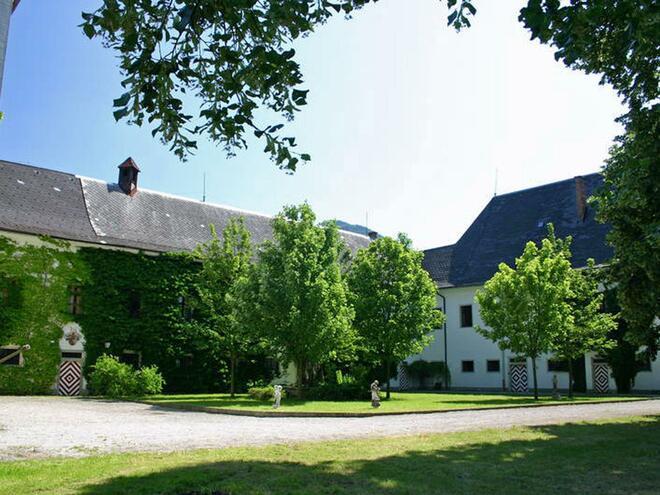 Schlosshof des Schloss Scharnstein