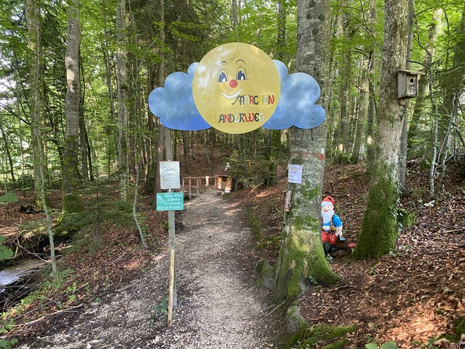 Children's fairy-tale hiking trail