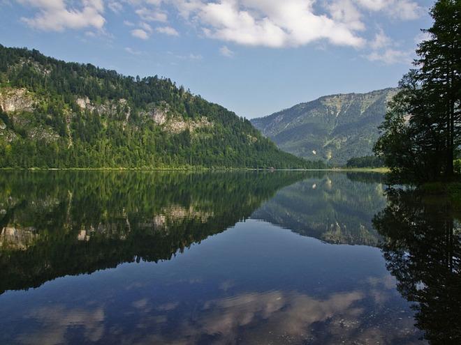 Erholung im Naturschutzgebiet Offensee in Ebensee