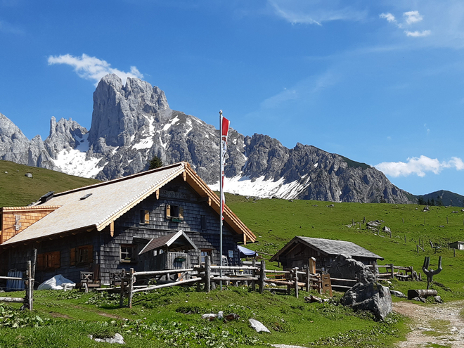 Tour from the Zwieselalm to the Hut Stuhlalm
