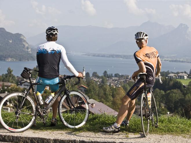 Ausblick auf den Wolfgangsee (© Rennradregion SalzburgerLand Salzkammergut)