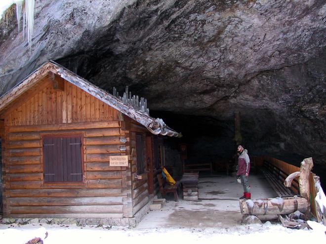 Neujahrsfeier in der Koppenbrüllerhöhle