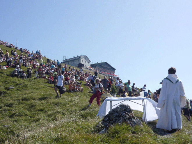 the celebrate mass on the topic of the Schafberg