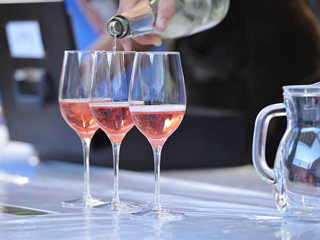 Wein am Hof (© Wein am Hof, Verein Swin Golf)