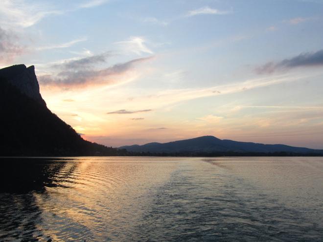 Romantische Sonnenuntergangs - Schifffahrt