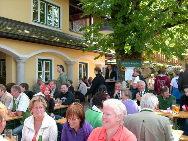 Brewery celebration of the Bramsau Bräu