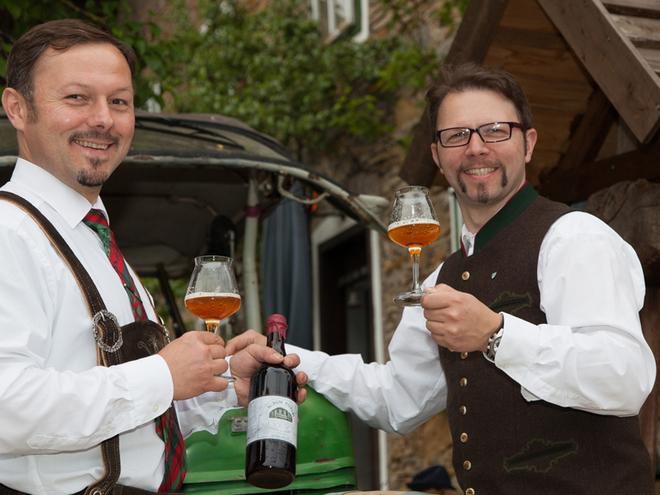 Bieranstich 'Summer-Pils' in der Brauerei Kaltenböck