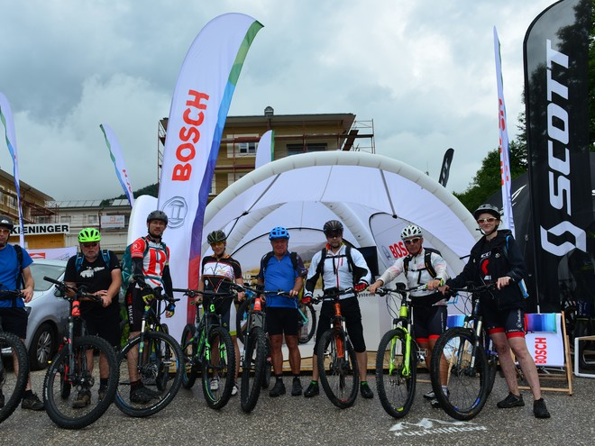 guided e-MTB tours at the trophy