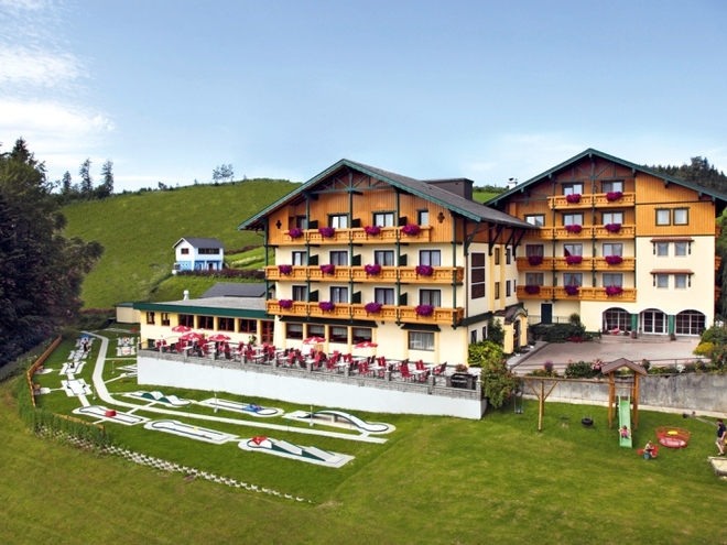 Ferienhotel Hofer***S am Attersee